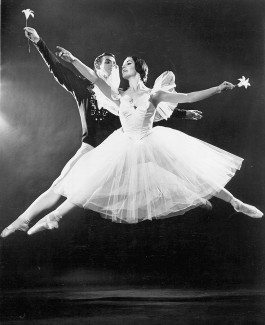 Dancers Christa Mertins & Vincent Warren in Giselle in 1966