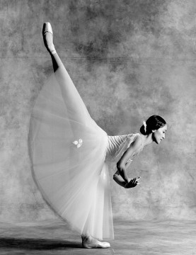 Dancer Min Tang in Giselle in 1990