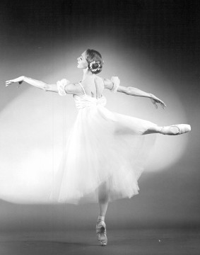 Dancer Jerilyn Dana in Giselle in 1984