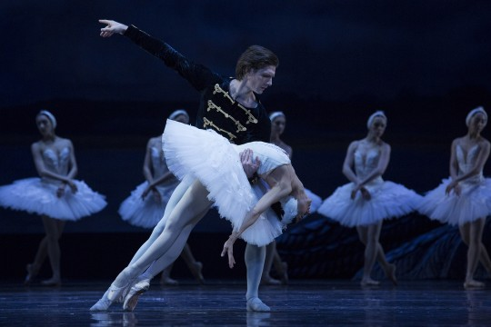 Dancers Vladimir Yaroshenko and Chinara Alizade with Corps de ballet onstage  in Swan Lake