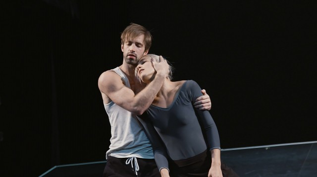 Éline Malègue and Raphaël Bouchard in rehearsal