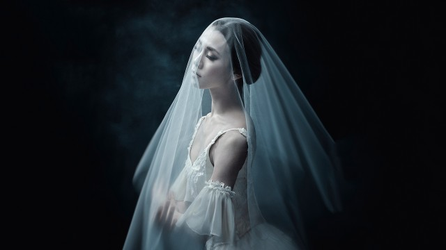 Dancer Yui Sugawara on the poster of Giselle by Les Grands Ballets